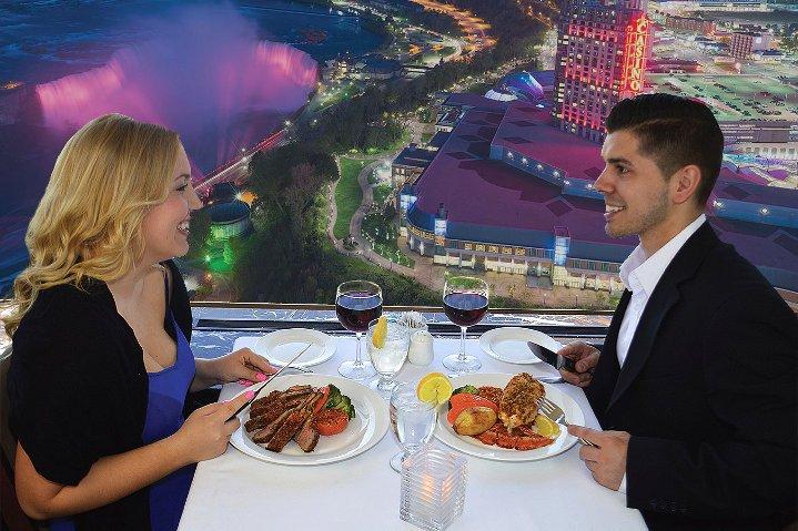 Niagara Falls Evening Tour With Cruise & Dinner